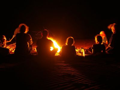 Party with live music and campfire